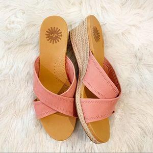 NWOT Ugg Kari Sandals, Size 9